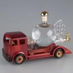 Auto s kulatým destilačním přístrojem